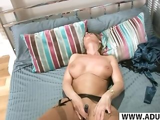 Dirty Wifey Mom Elaine Gives Boob Fucking Hard Her Sonnie's...