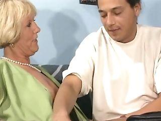 Oma Fickt Besser