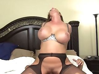 Legendary Rimjob And Never-to-be-forgotten Boobjob By Bodacious...