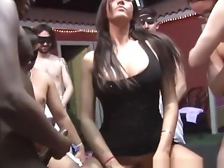 Nasty Mummy Loves To Be In A Groupsex