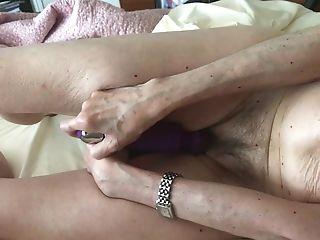 Horney Wifey Orgasm 104