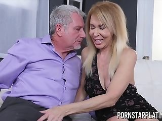 Erica Lauren Gets Treated To A Thick Dick - Gilf Hookup