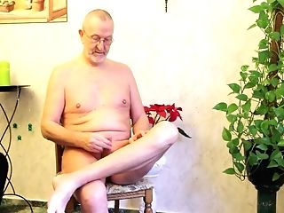 Matures Pervert Is All Naked And Engaged With Wanking His Own Man Rod