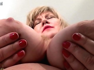 Matures Yankee Bbw Playing With Herself