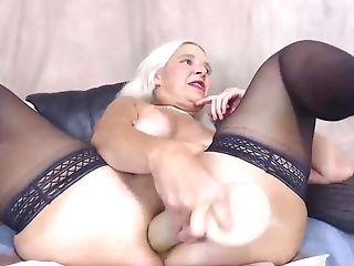 Ass-fuck Cougar With Freckles Fucking Her Bum Crevasse