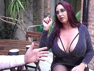 Hot Chubby Cougar Emma Butt - Lardy Queen Suck