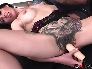 Big-titted Marie Bossette Masturbates While Getting A Tattoo