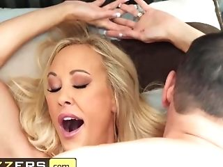 Brazzers - Big-chested Stepmom Brandi Love Makes Cravings Come...