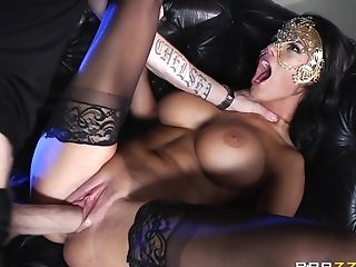 Masked Maven In Black Stockings Treats Her Paramour To A Romantic...