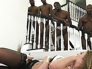 Dirty Curvy Bi-atch Britney Amber Wakes Up And Starts Taunting Four...
