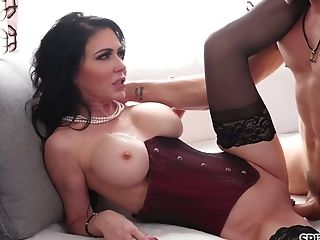 Experienced Mummy Jessica Jaymes Is Fucked By Hot Blooded Youthful...