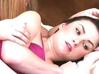 Black-haired Sapphic Munched By Her Roomy