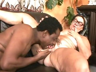 Old Lady In Headscarf And Glasses Gets Her Slit Tongued And Frigged...