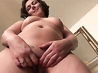 Uber-cute Smoothly-shaven Cougar Talks While Touching Her Fuckbox