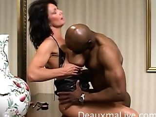Horny Single Mom Gives An Erotic Bj To Her Black Fuckbuddy