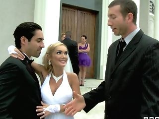 Blonde Bride In A Milky Corset Betrays Her Spouse On The Day Of...