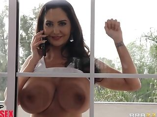 Big Chisel For Taut Cunny Of Dark-haired Mummy Ava Addams
