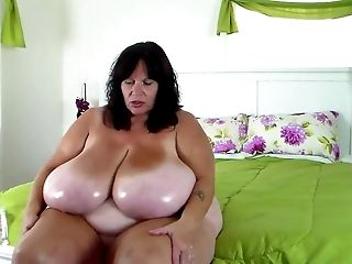 BBW MUMMY Oils Her ENORMOUS Tits
