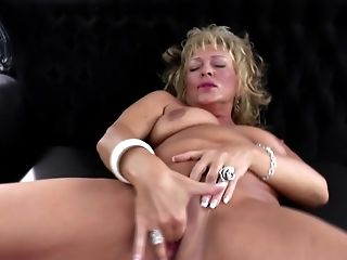 Real mature mom with greedy vagina