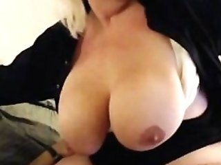 Squirting Waitress Gets Fucked Like A Manager!