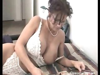 Prude Mom With Glasses Takes Off Her Clothes For The Camera