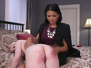 Horny Stepdaughter Lily Lovecraft Gets Her Pooper Opened Up By...