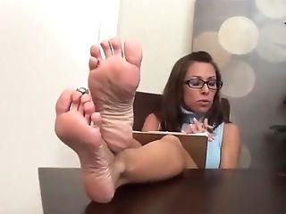 Nikki Hot Sexy Feet And Feet