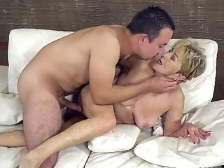 Matures Blonde Woman With Brief Hair, Malya Is Cheating On Her...
