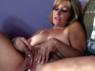 Matures Whore Liisa Is Stuffing Her Moist Twat With A Gear