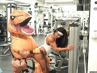 Camsoda - Hot Mummy Stepmom Fucked By Trex In Real Gym Intercourse