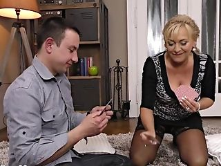 Matures Super-bitch Slave Wants His Youthful Lengthy Penis