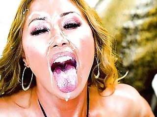 Giant Boobed Mummy Kianna Dior Flashes Her Twat And Gives Awesome...