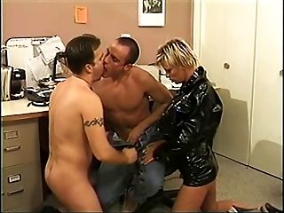 Leather-corseted blonde and toned dude suck dude's weenie...