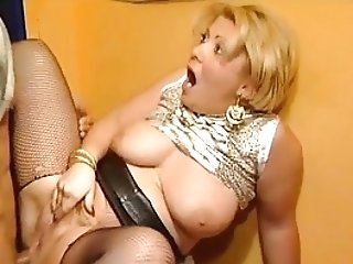 Awesome Blonde Chubby Cougar Fucks Trio Guys In Disco