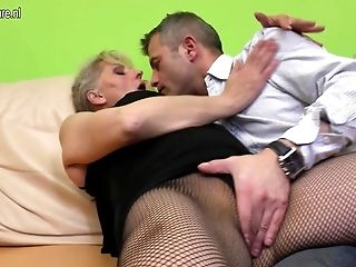 Hairy mature mom groaning while she gets fucked hard