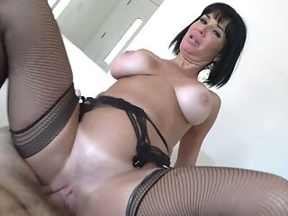 Juggy Mummy Veronica Avluv Luvs Eating Hard And Meaty Dick