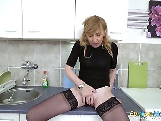 Europemature Hot Matures Mummy Solo Onanism