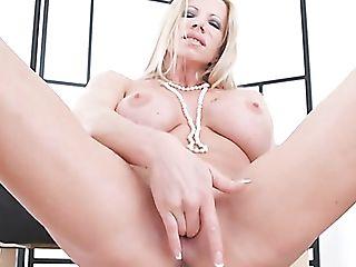 Stunning Big Boobed Blonde Honey Lara De Santis Pets Her Own Meaty...