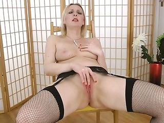 Juggy Brit Cougar Tracey Hein Gets Naked And Masturbates Raw...