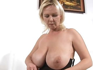 Curvy Mummy Kimi In Sexy Undergarments