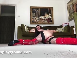 Matures Glamour Bitch Lara Taunts With Her Caboose And Large Jugs