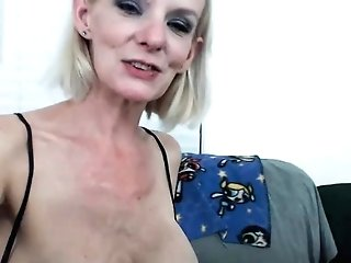 Sexy Light-haired Cougar