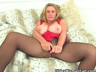 Brit Mummy Camilla Internal Ejaculation Needs Orgasmic Delight