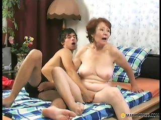 Older cunt being fucked