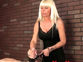 Dom Mummy Masseuse Roping Ball-sac And Pipe