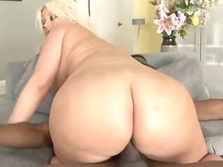 Impressively Wild Blonde Cougar With Chubby Booty Goes Interracial