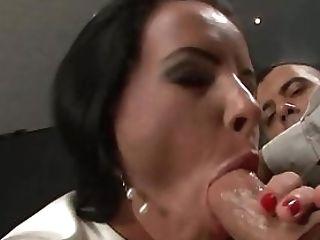 Glamour Damsel Sucking Man Meat
