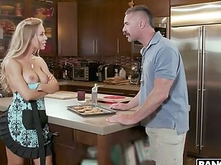 Step-brother-in-law Can't Resits Fucking Nude Nicole Aniston...