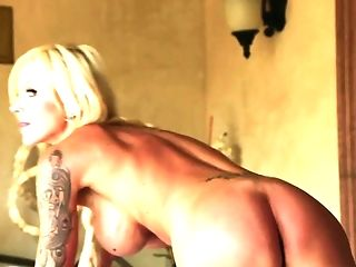 Horny Masseuse With A Big Dong Fucks Big Tittied Blonde Cougar Nina...