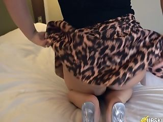 Wow Cougar With Big Appetizing Culo Ashley Rider Shows Her Perky...